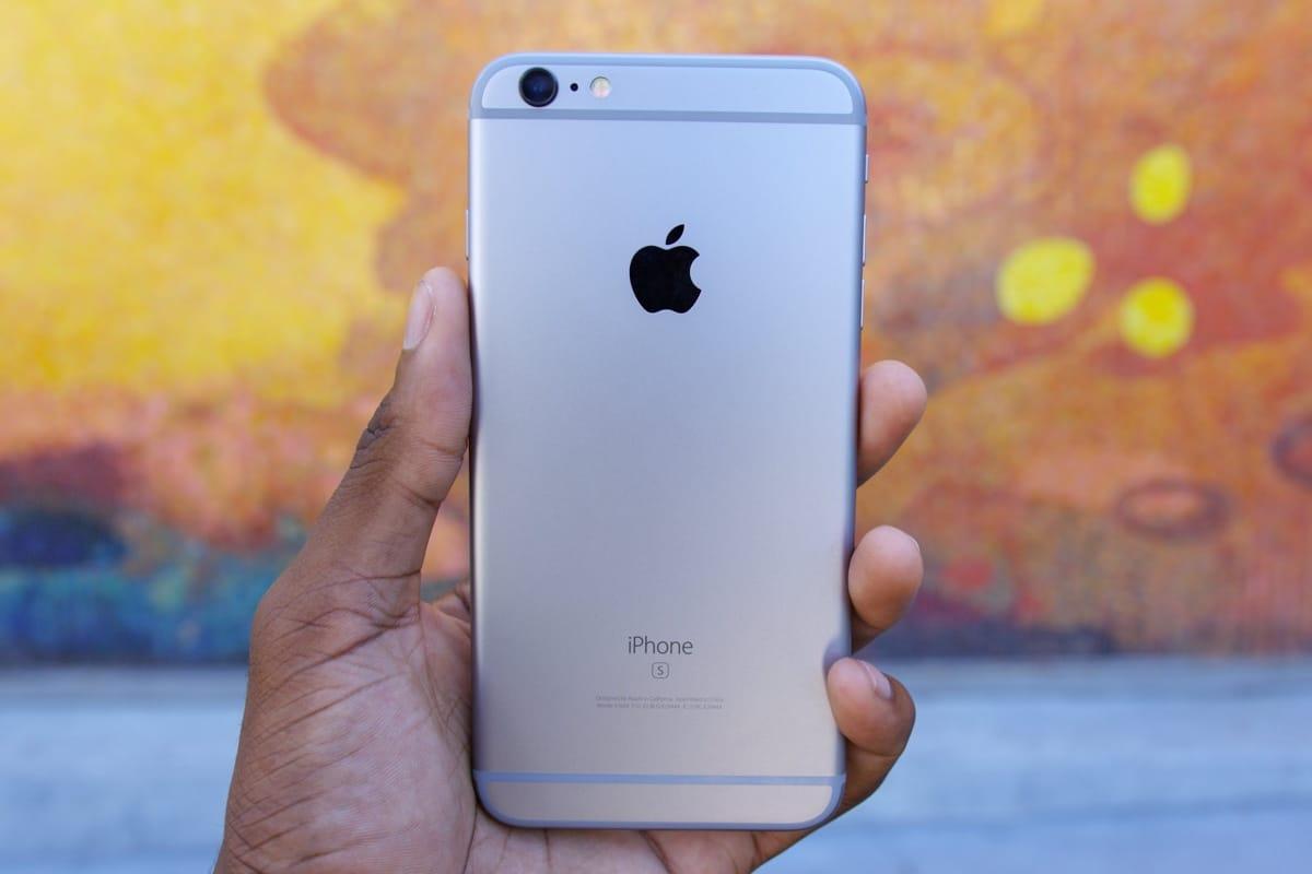Стоимость Iphone 6s достигла исторического минимума в РФ