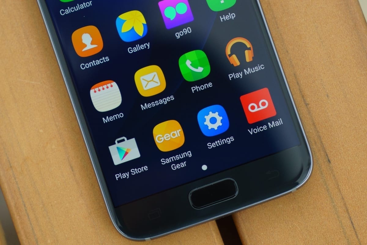 Изображения и технические характеристики новых Samsung Galaxy J7 и Galaxy J5
