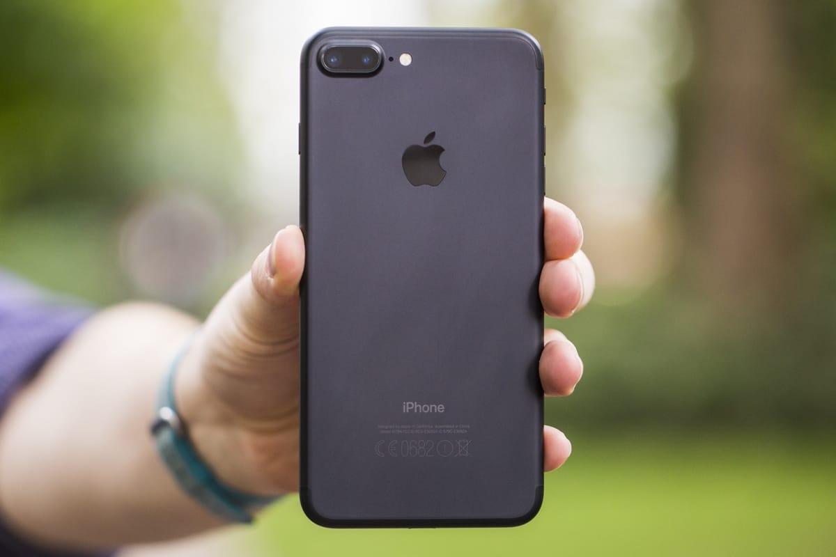 В РФ  безумно  упал вцене  смартфон iPhone 7 Plus