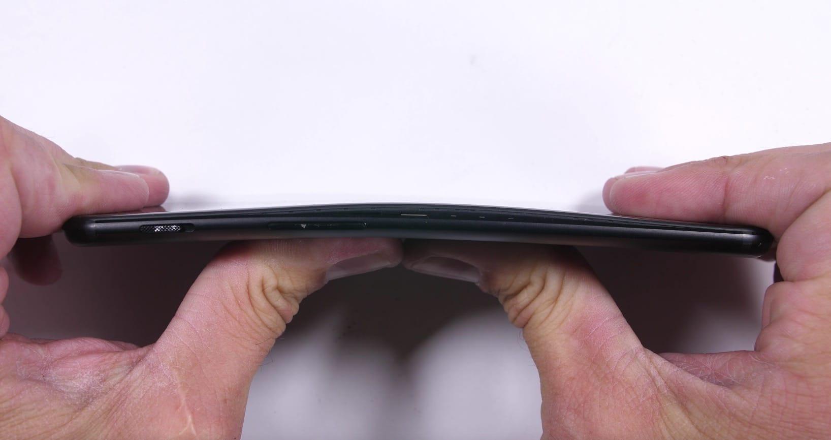 Смартфон OnePlus 5 прошел испытание напрочность