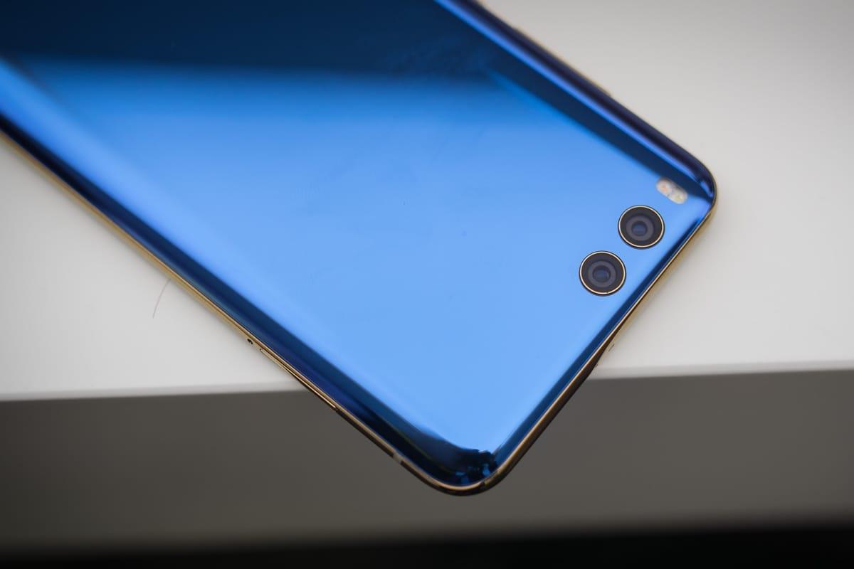 Xiaomi объявила цену нафлагманский смартфон Mi6 в РФ