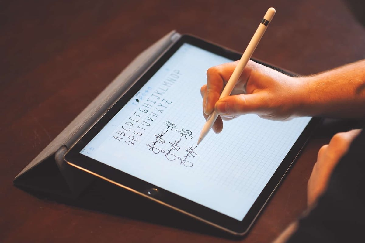 ipad essay Abc cursive writing turns your ipad into a handwriting tablet for practicing cursive students have the options of practicing single letters — upper case or lower case, whole words, sentences, and numbers.