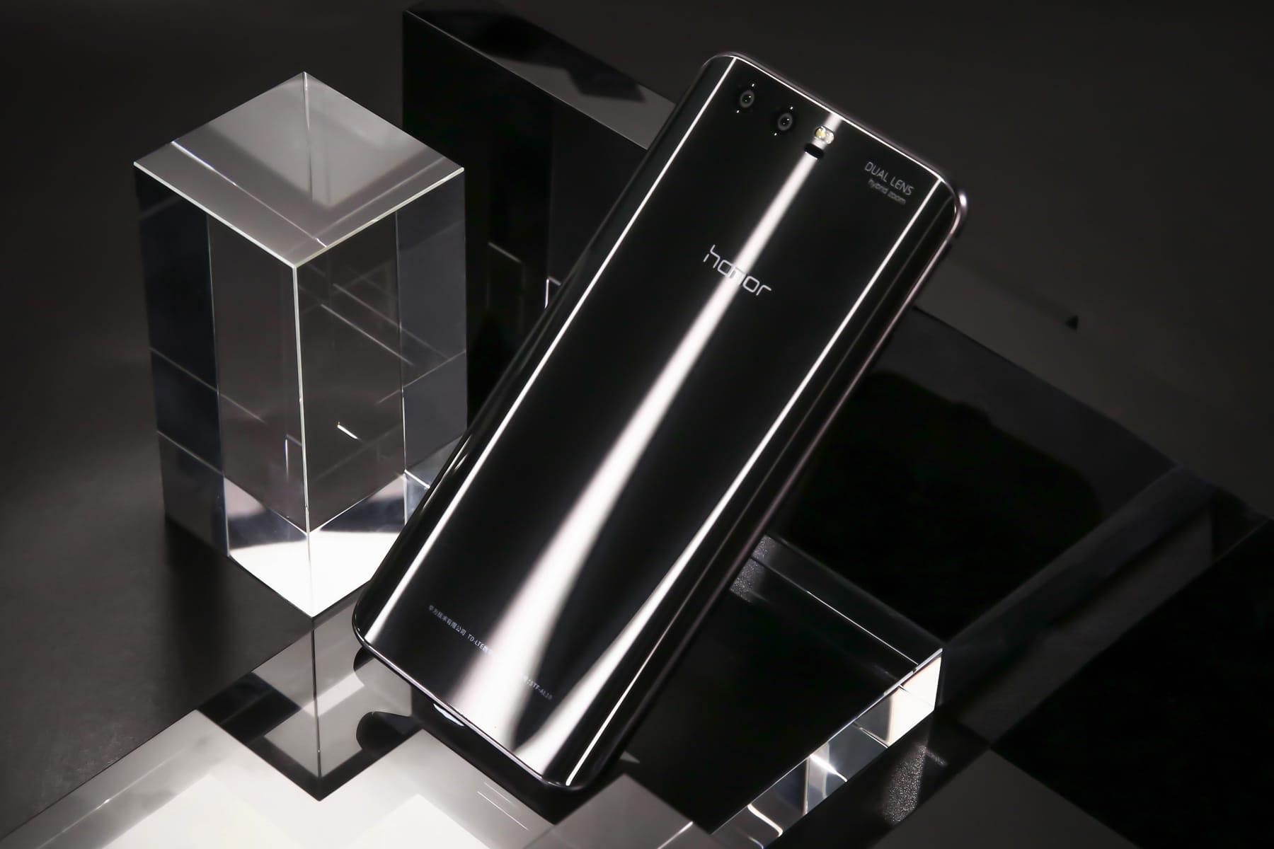 Huawei выпустила черный Honor 9 в Российской Федерации
