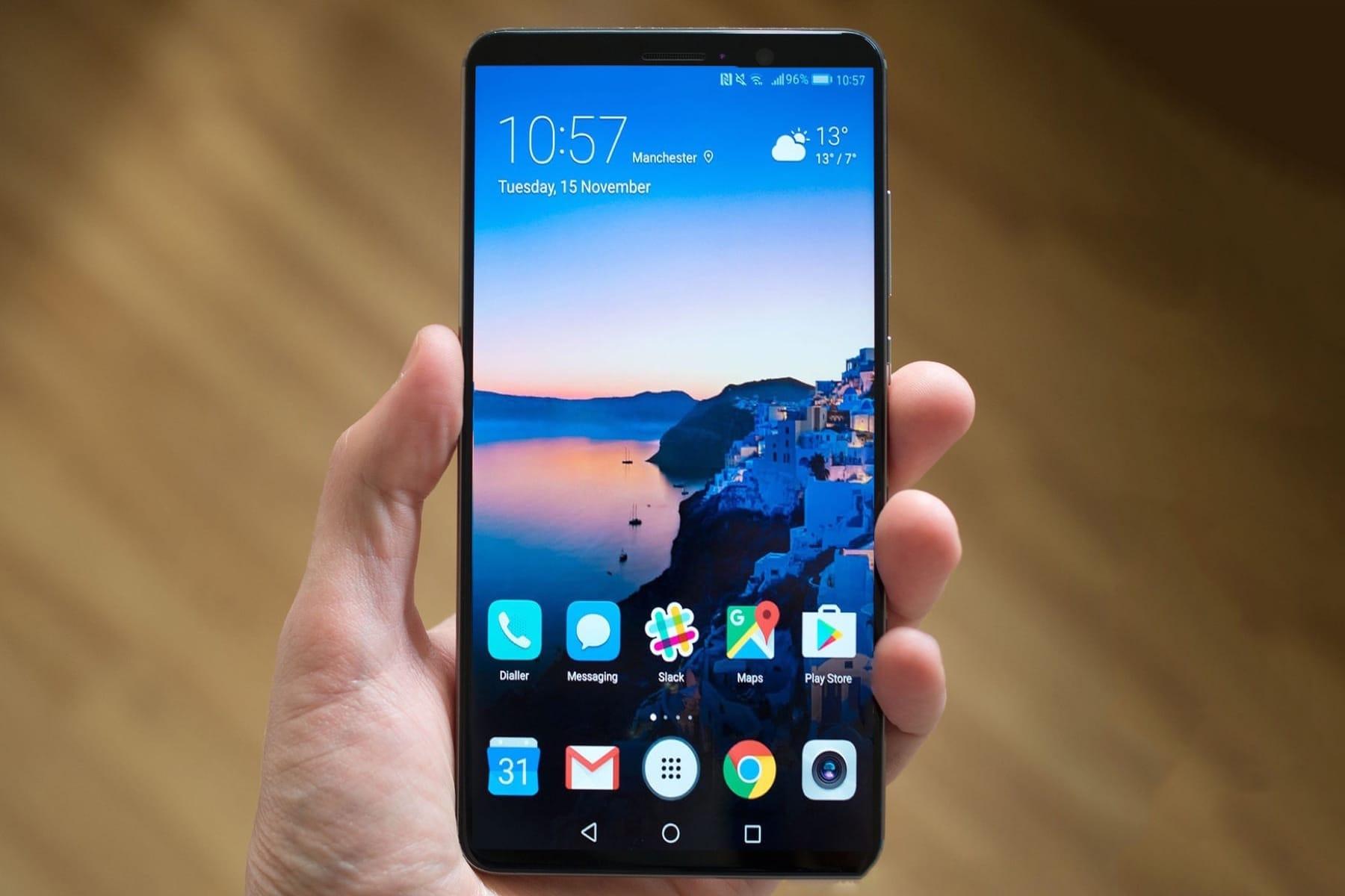 Ответ Huawei новому iPhone: первые изображения «безрамочного» Mate 10