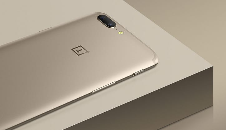 Смартфон OnePlus 5 вцвете Soft Gold— Фотогалерея дня