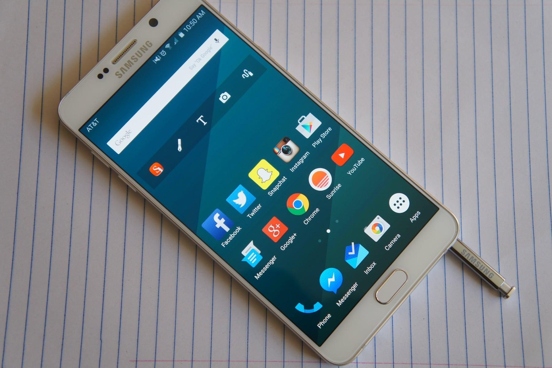 Самсунг выпустит 1-ый смартфон совстроенным алкотестером