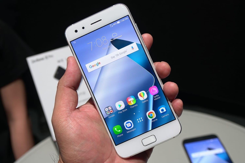 Asus представила смартфон Zenfone VсоSnapdragon 820 наборту