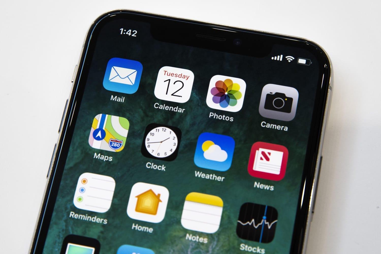 Купить безрамочный iPhone X уже можно в России за 2 млн рублей