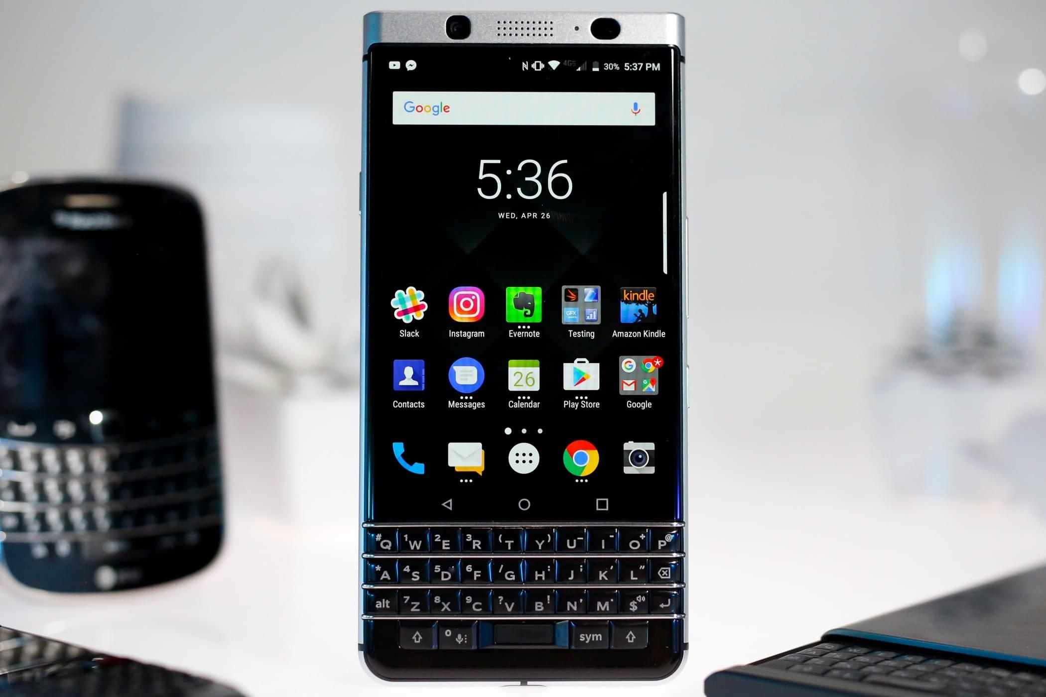 Названа русская  цена Blackberry KEYone сQWERTY-клавиатурой
