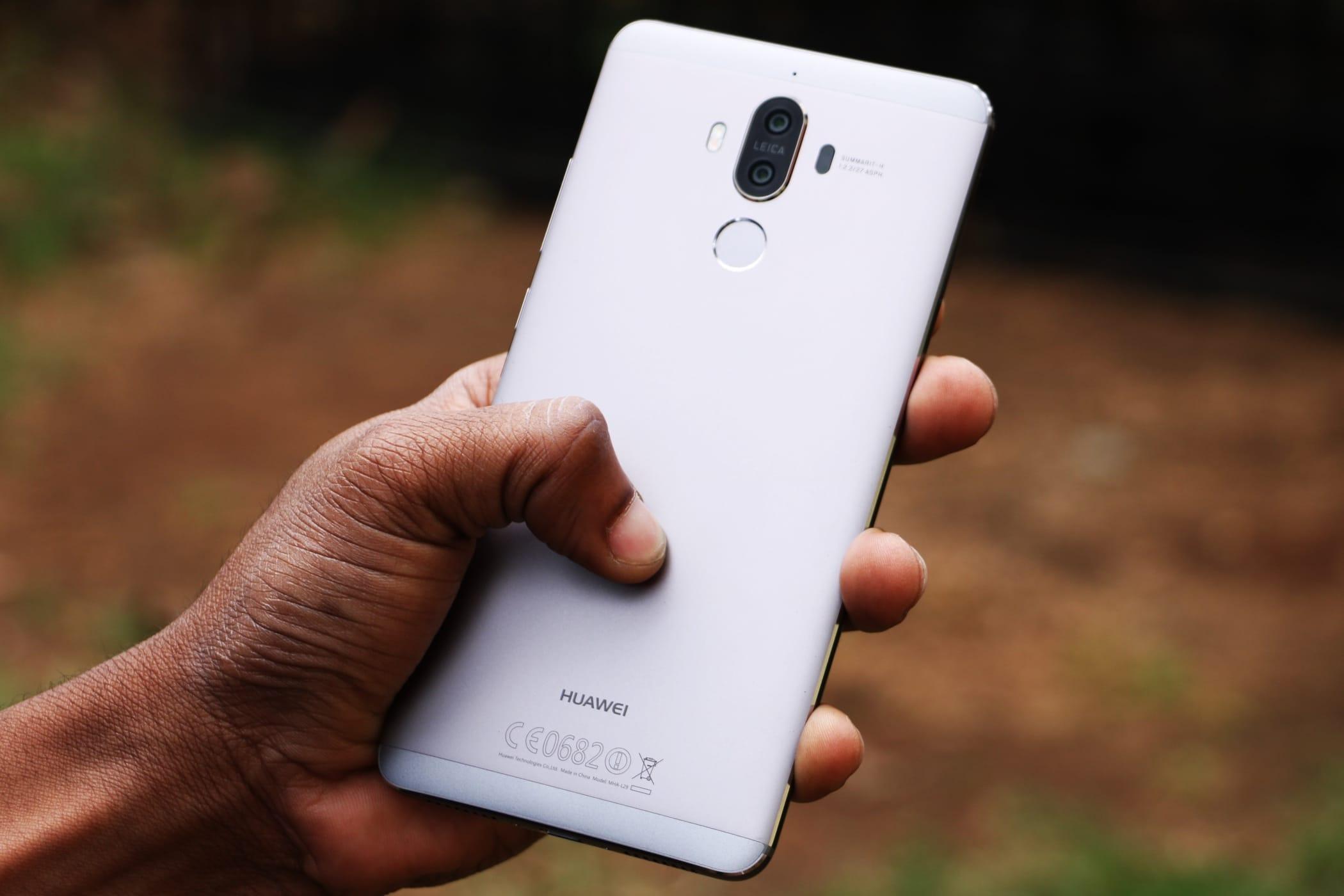 Появились новые рендеры Huawei Mate 10 Pro