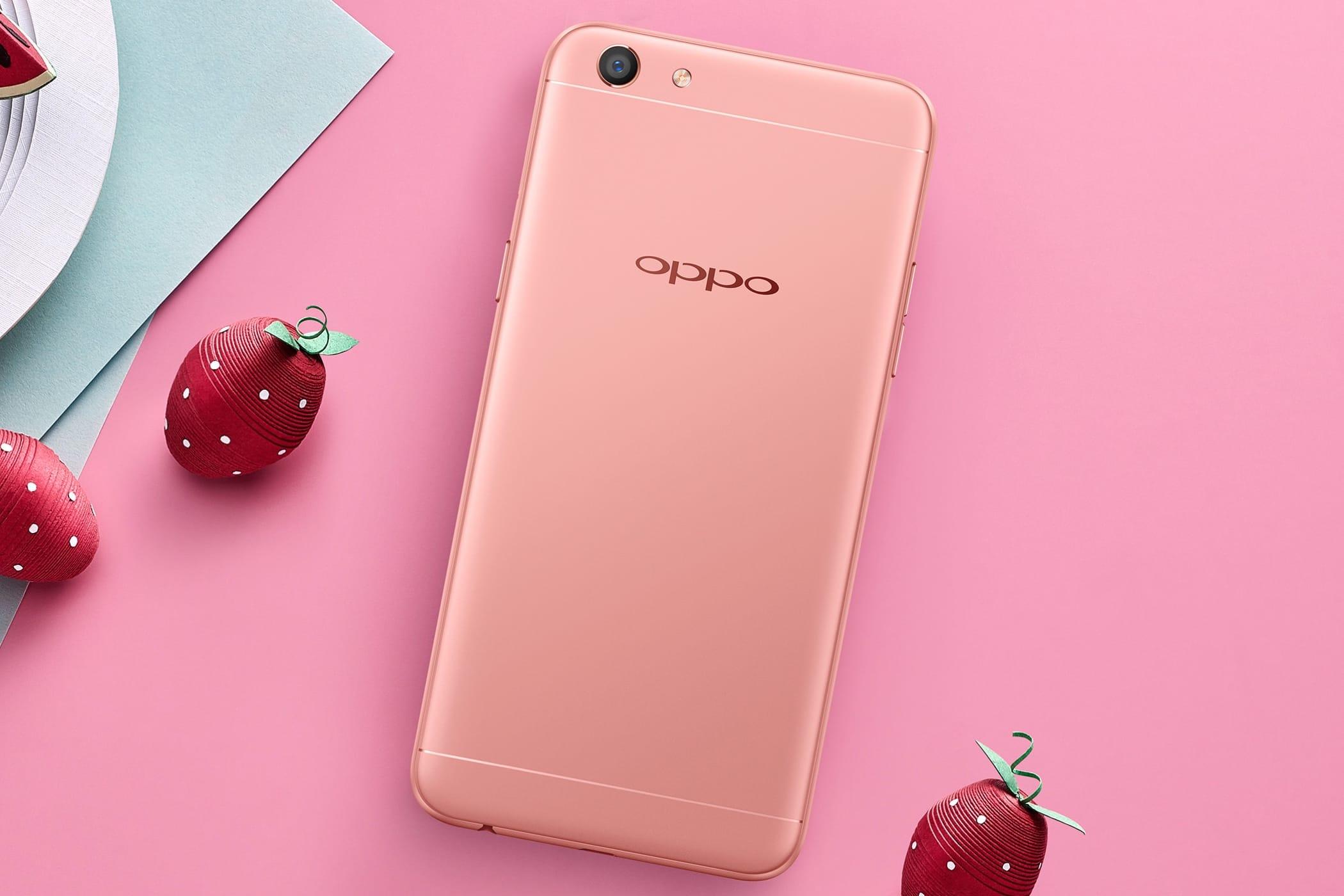 Oppo представила смартфон F3 Lite