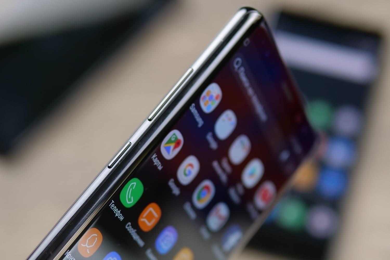 Вглобальной паутине размещено видео сбезрамочным Самсунг Galaxy S9