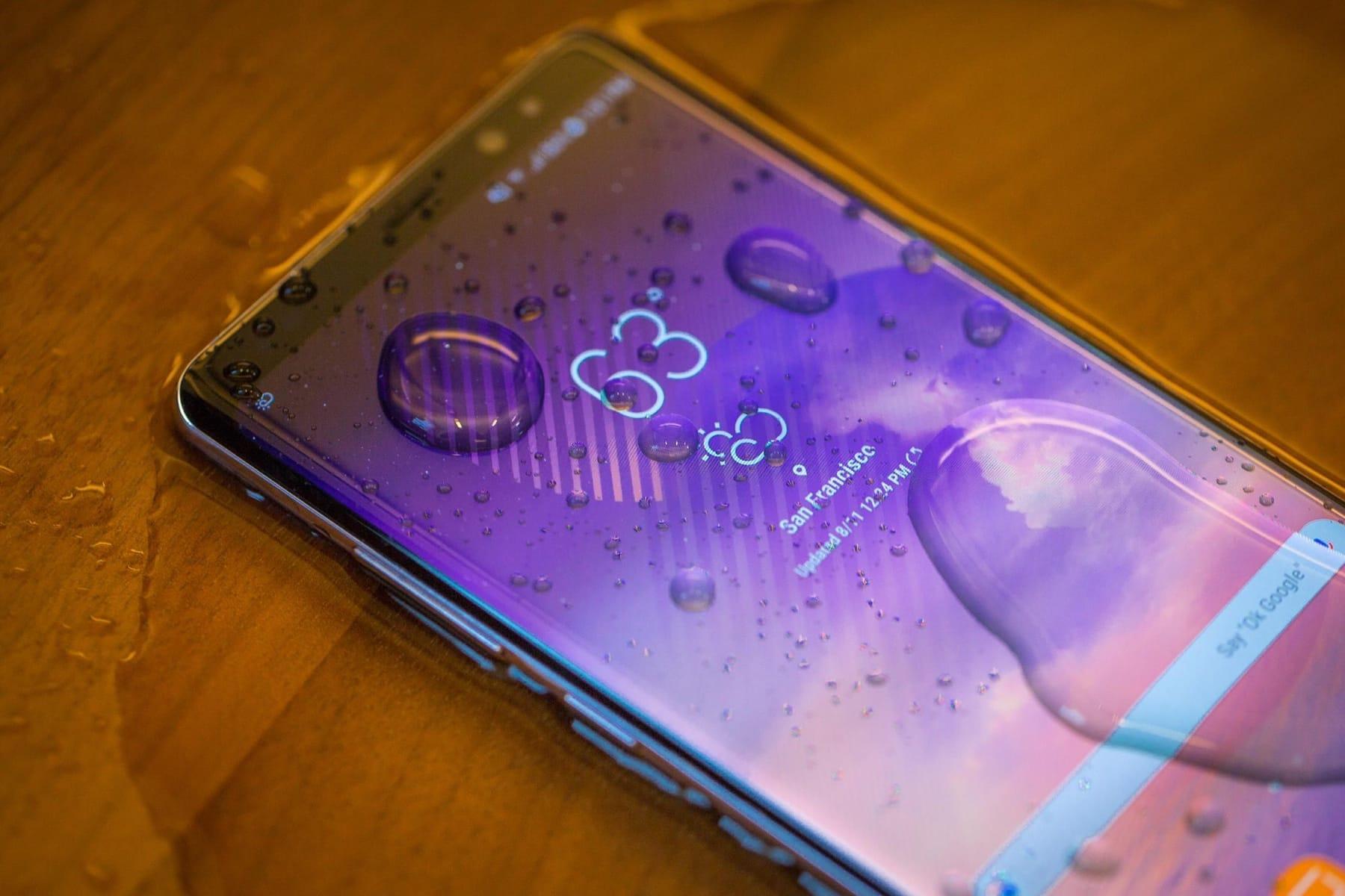 Самсунг снизила цены на мобильные телефоны в Российской Федерации