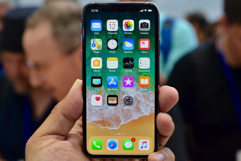 Apple решила сделать бюджетную версию iPhone X