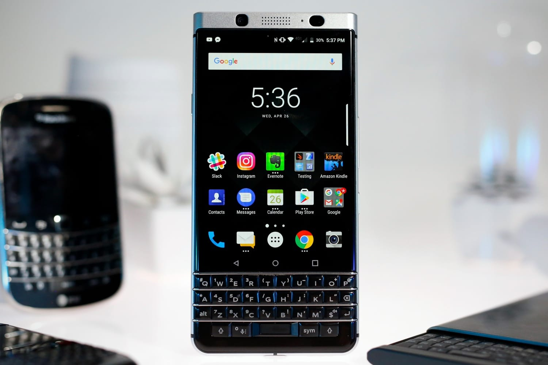 TCL готовит канонсу смартфон BlackBerry склавиатурой