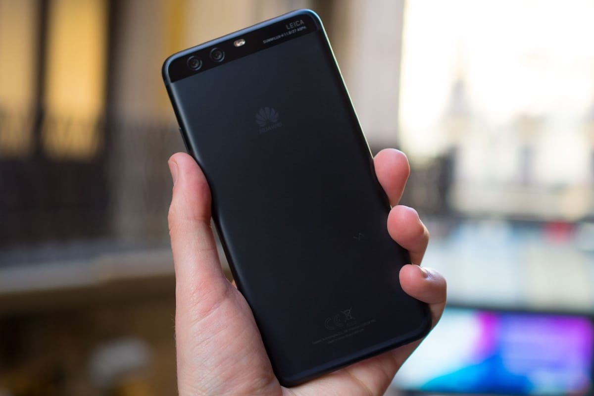 Флагманский смартфон Huawei Mate 9 упал вцене вдвое