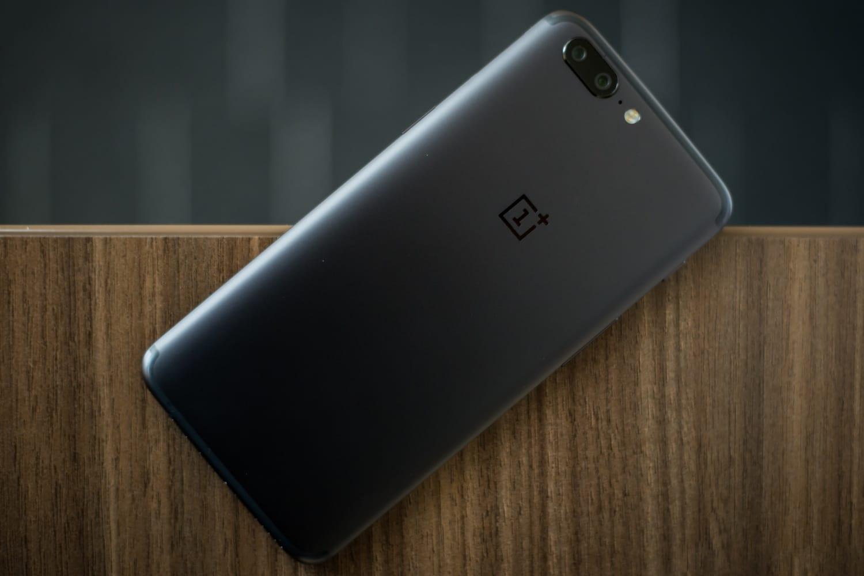 Раскрыты внешний облик ихарактеристики флагмана OnePlus 5T