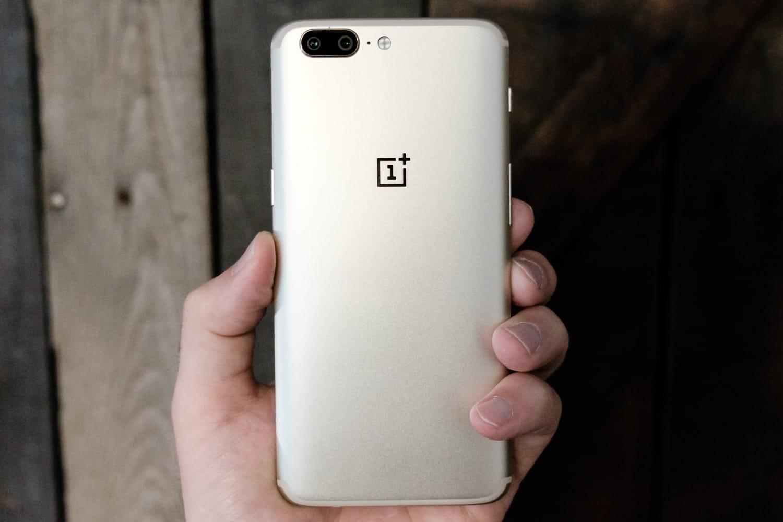 OnePlus 5T показали наеще одном изображении. Ион великолепен