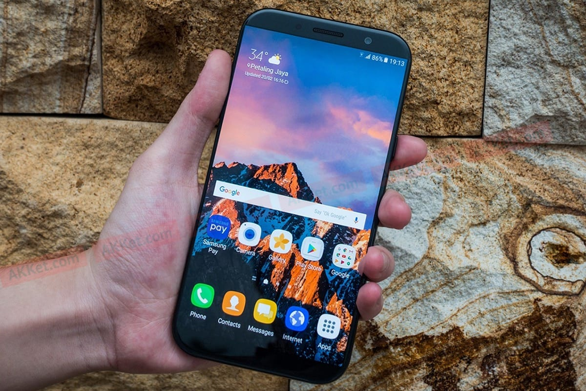 НаGeekbench стало известно оновом Самсунг Galaxy A7 2018