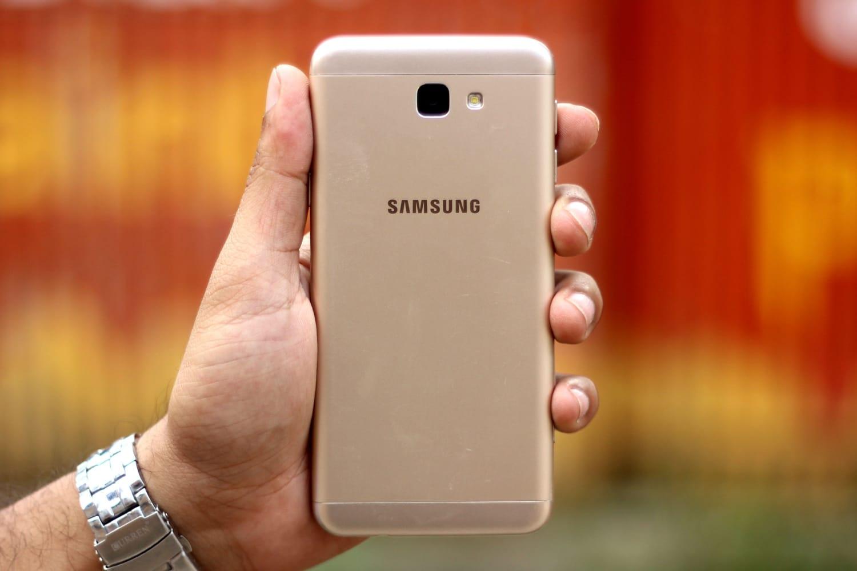 0<br /> Один из лучших смартфонов Samsung обновили до новой версии ОС