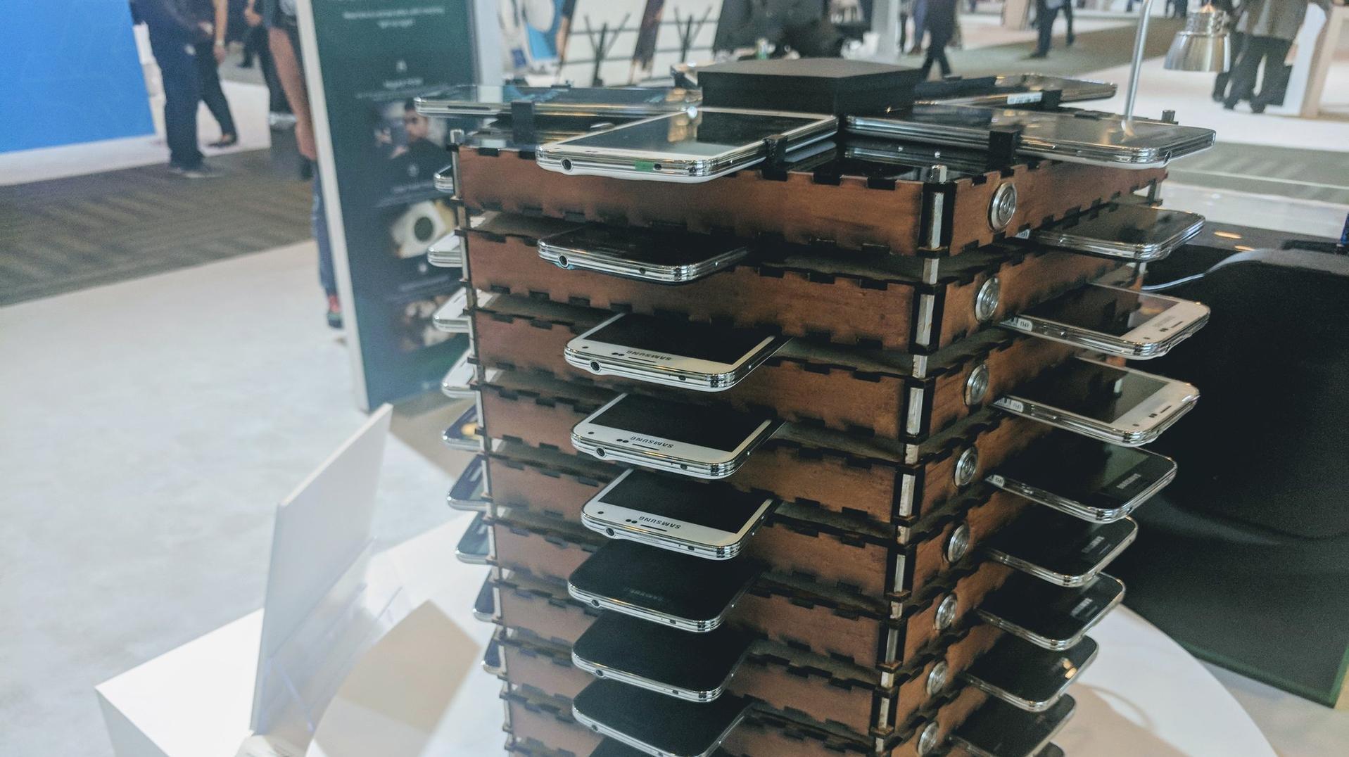 Новинка Самсунг Galaxy A7 сбезрамочным экраном появилась наGeekbench