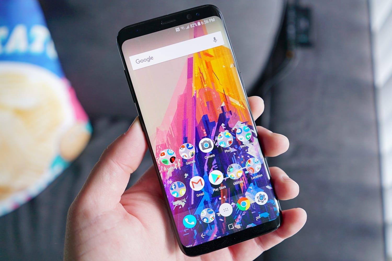 Стало известно, почему обвалились цены на мобильные телефоны Самсунг в РФ