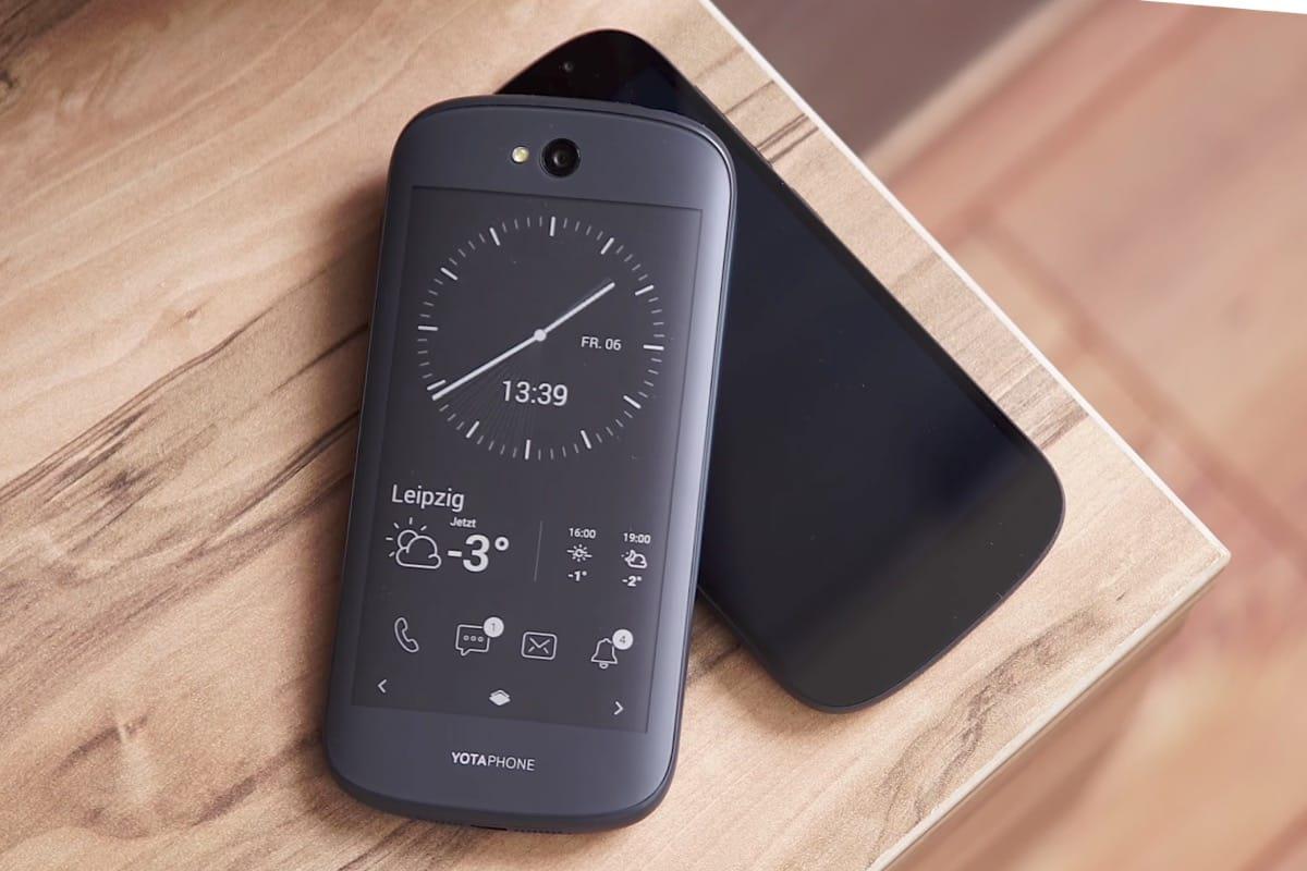 YotaPhone-2-Russia-Buy-5.jpg