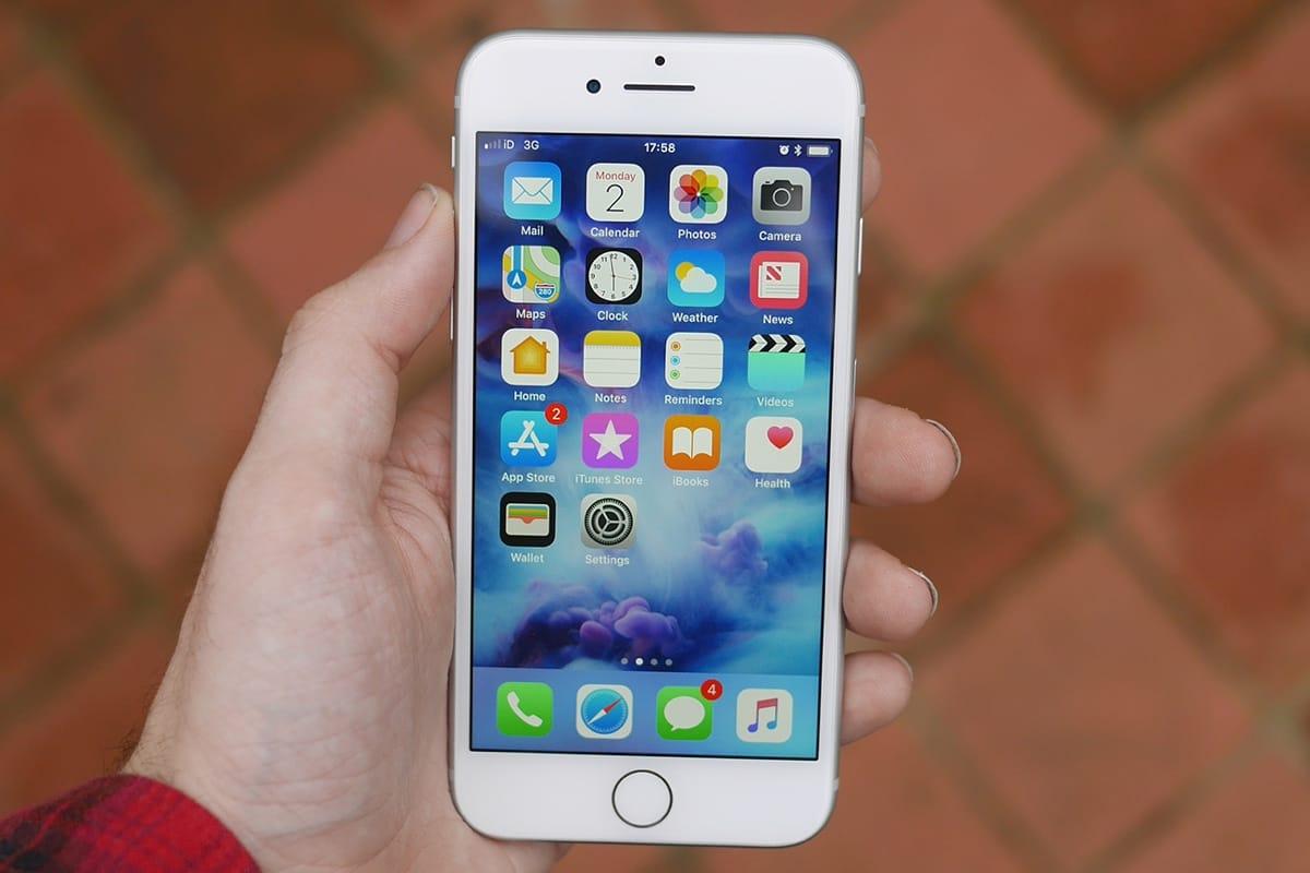 Цена iPhone 6s Plus в РФ  вновь резко снизилась