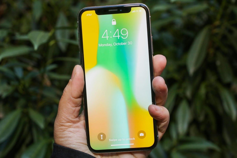 В 2018-ом Apple выпустит три телефона с 2-мя сим-картами