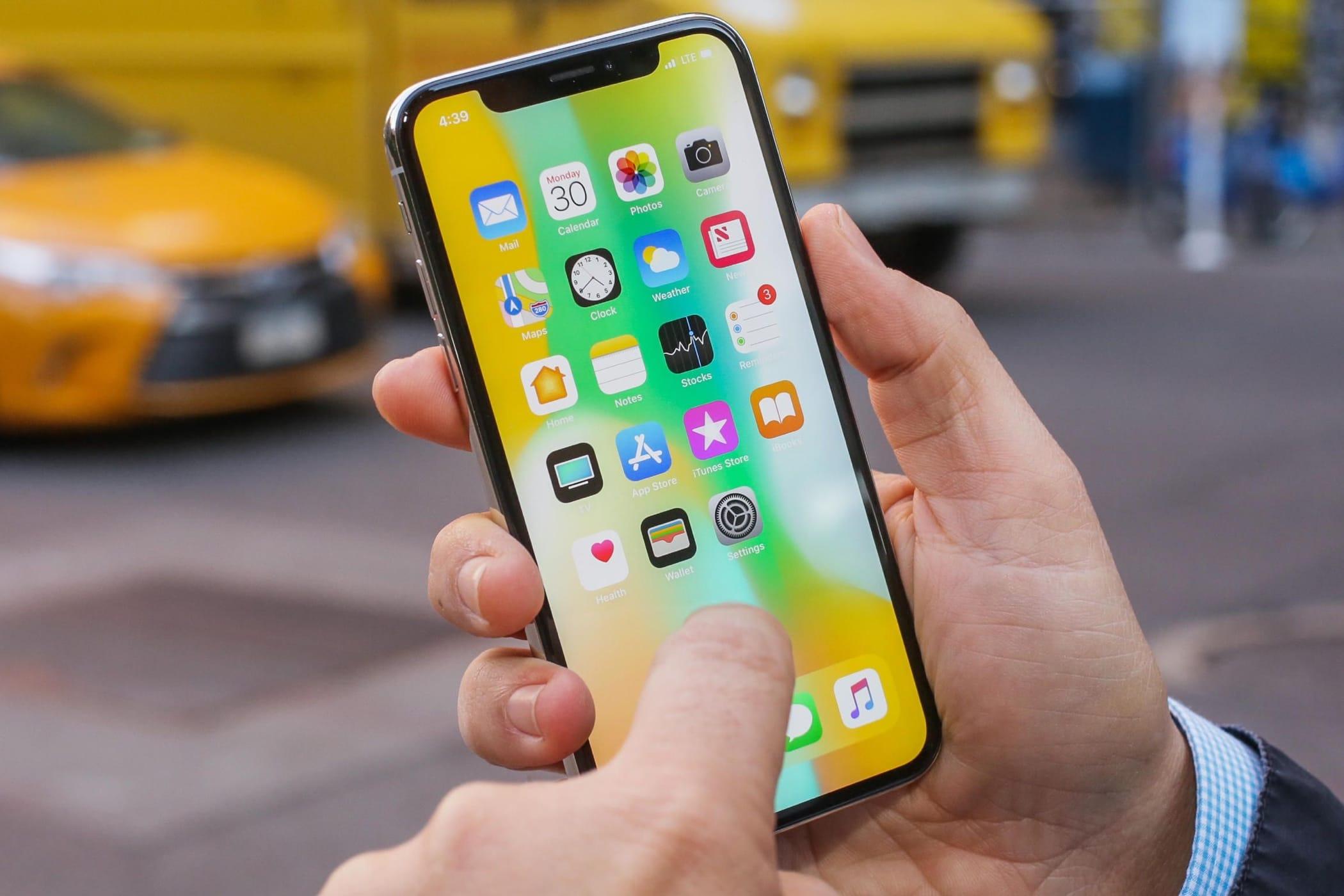 Apple разработала два бюджетных варианта iPhone Xдля «бедных»