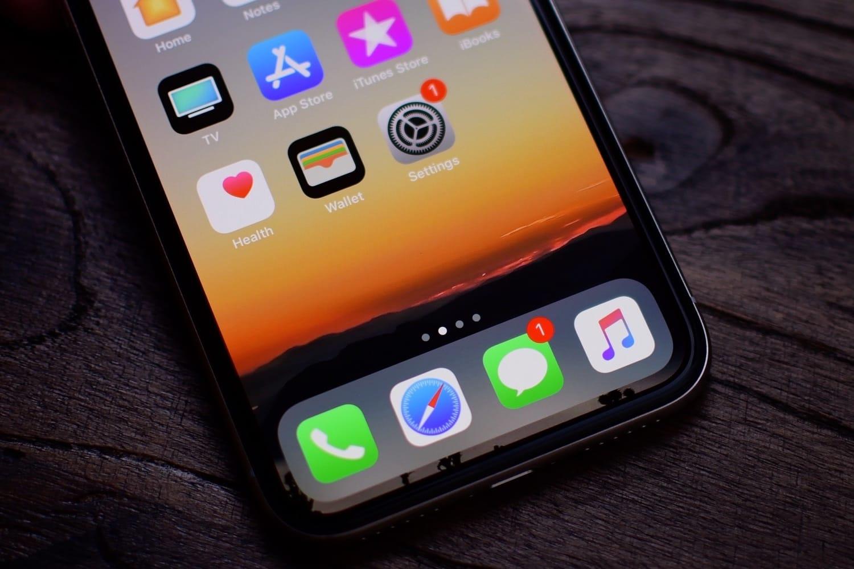 С iOS 11.2 iPhone 8, 8 Plus и X будут заряжаться быстрее