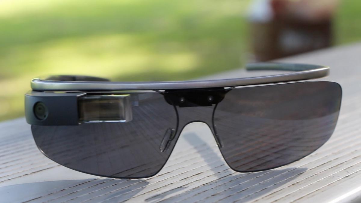 Google запатентовала новые «умные» смарт-очки