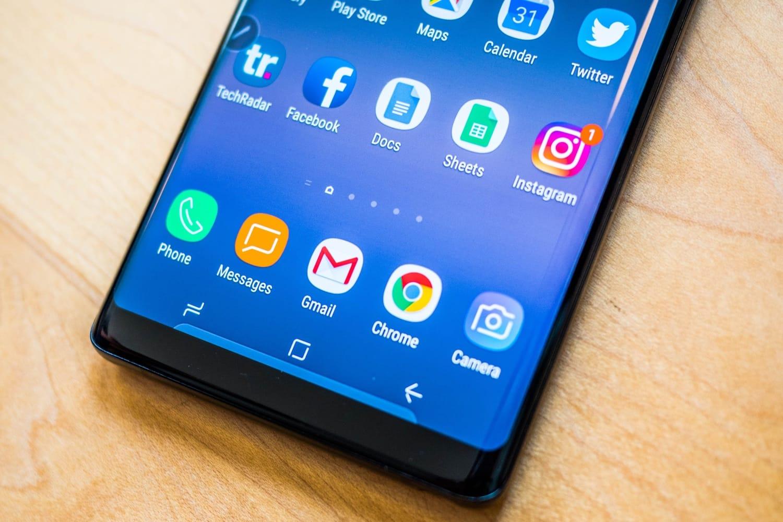 Инсайдер продемонстрировал  1-ый  снимок нового телефона  Самсунг  Galaxy A8