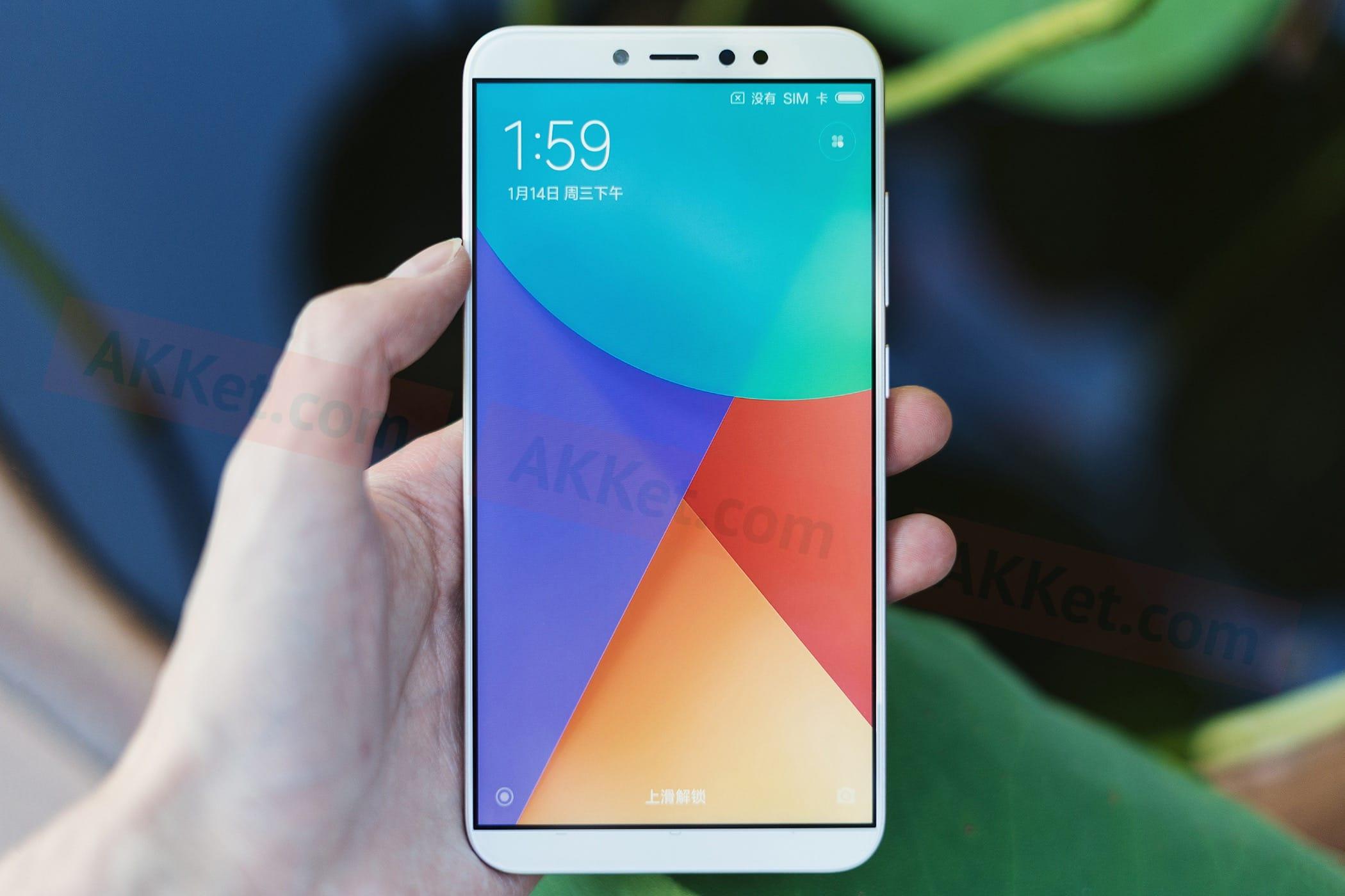 0 Потрясающий Xiaomi Redmi Note 5 на MIUI 9 показали в работающем состоянии