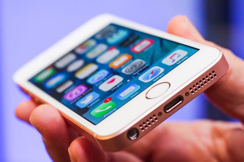 IPhoneSE 2 встиле iPhone Xмогбы выглядеть так