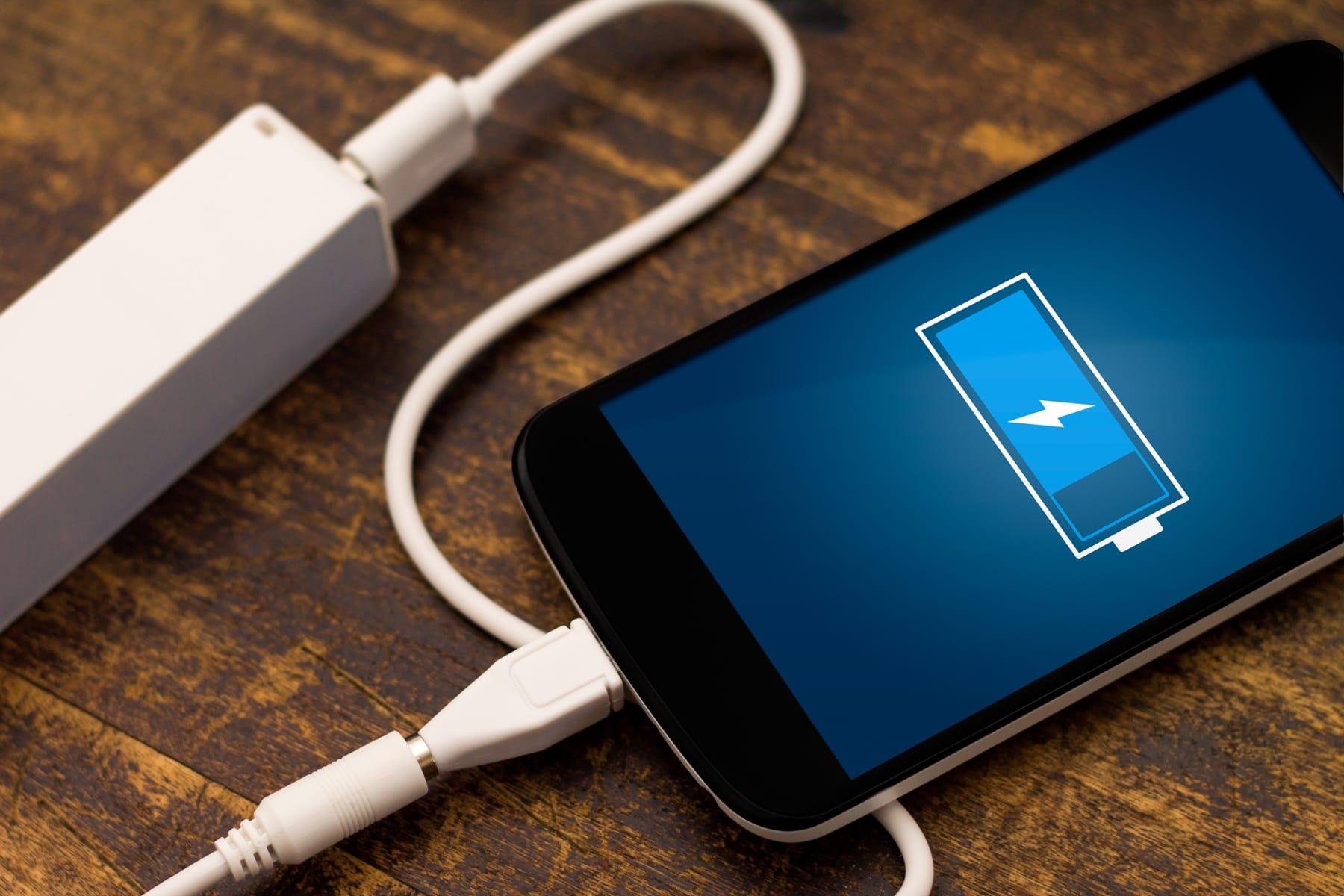 Названы шесть основных обстоятельств быстрой разрядки телефонов