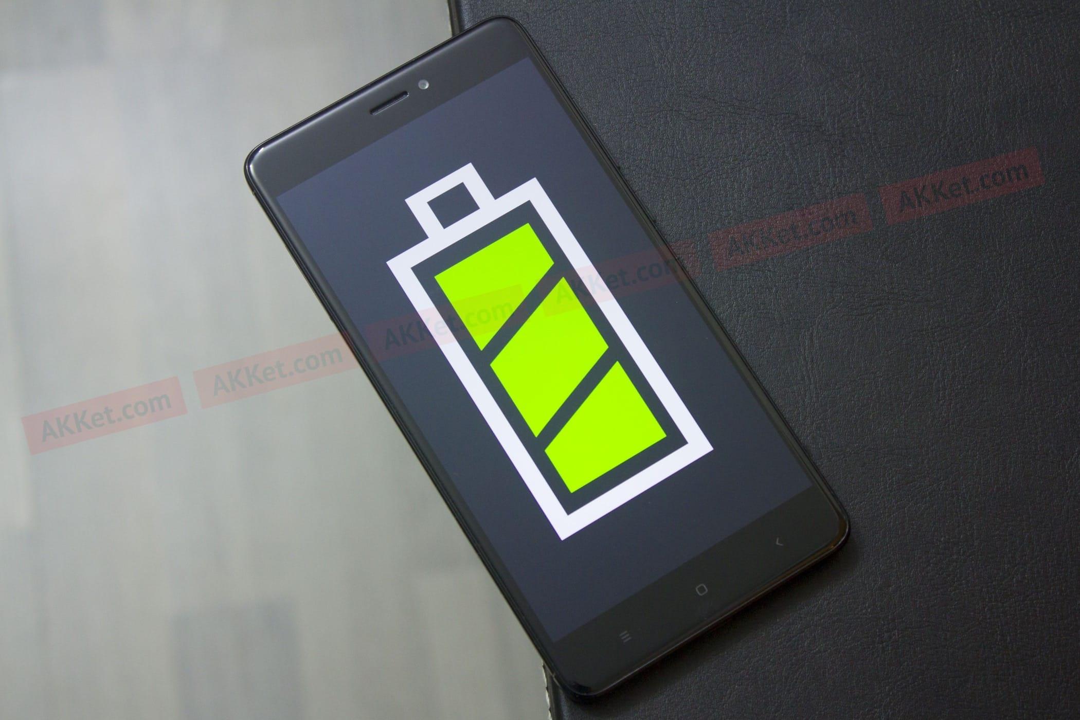 Составлен список основных причин, покоторым разряжаются мобильные телефоны