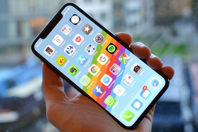 Apple вернёт железный корпус вiPhone