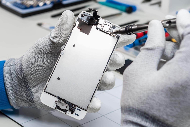 Apple в РФ открыла центр поремонту дисплеев iPhone за1 день