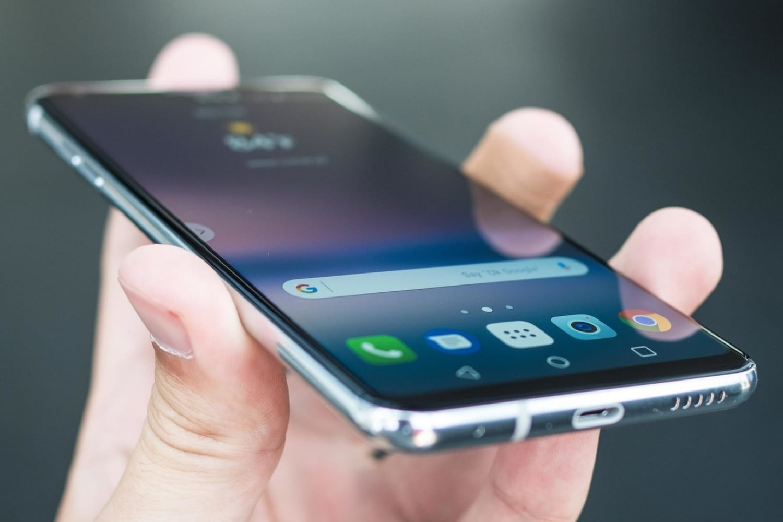 Смартфон OnePlus 5 начал обновляться до андроид 8.0 Oreo