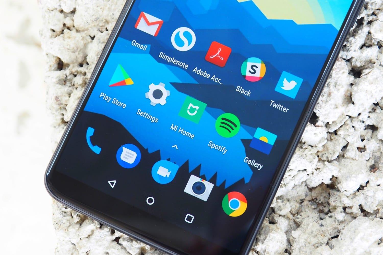 OnePlus 6 может получить интегрированный в дисплей сканер отпечатка пальцев