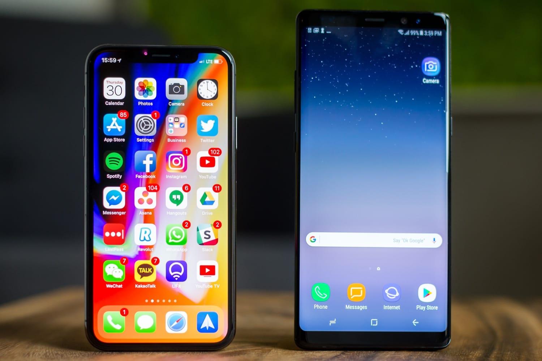 0 Пользователи в шоке от того сколько Apple Samsung и Huawei накручивают на своих смартфонах