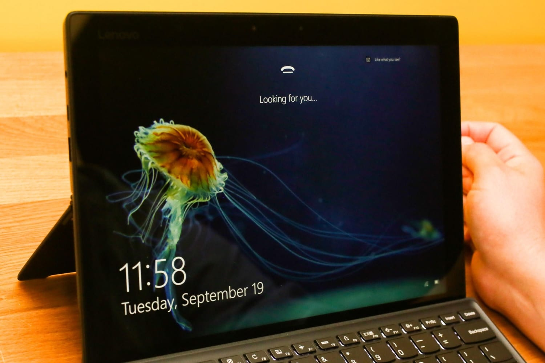 Сканер лица в новейшей  Windows можно обойти фотографией