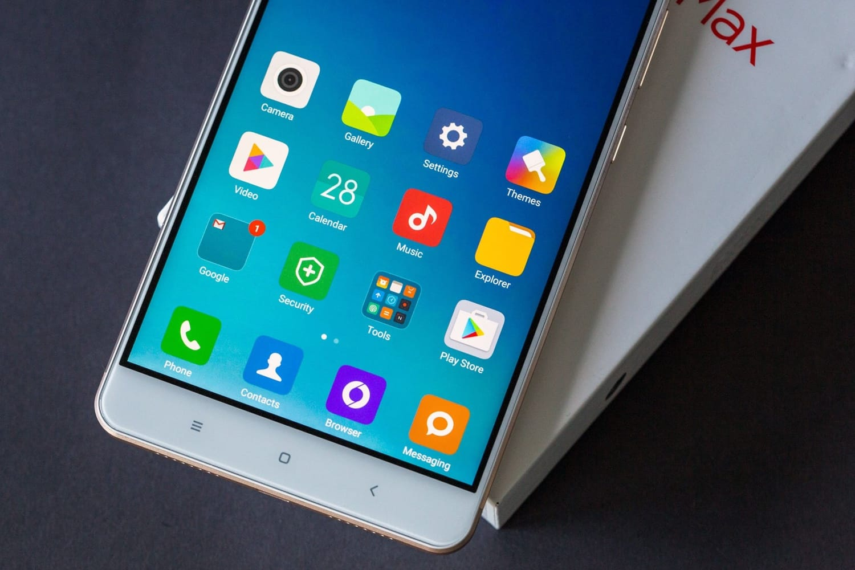 Xiaomi MiMax 3: огромный смартфон без рамок