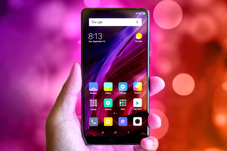 Задняя панель Android-смартфона Xiaomi MiMix 3 угодила нафото