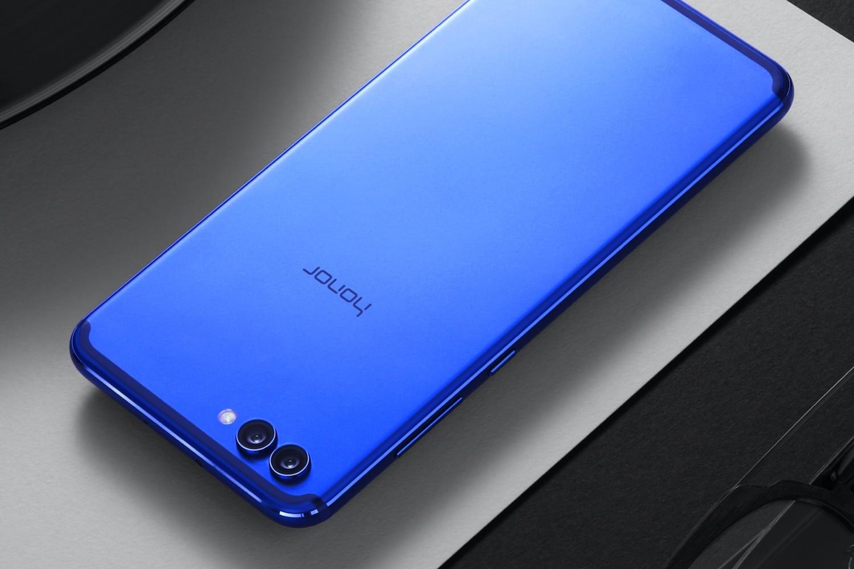 В Российской Федерации официально вышел смартфон Huawei Honor View 10