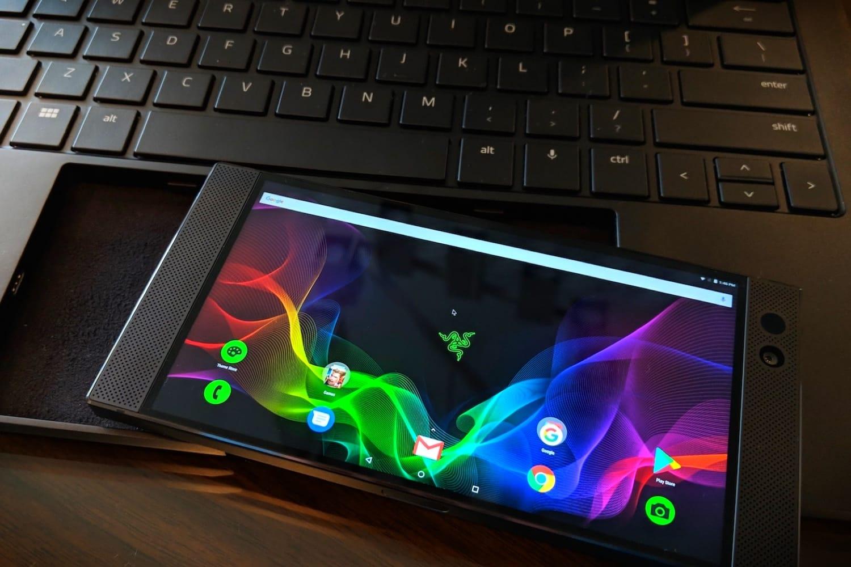 Док-станция Razer Project Linda превращает смартфон вноутбук