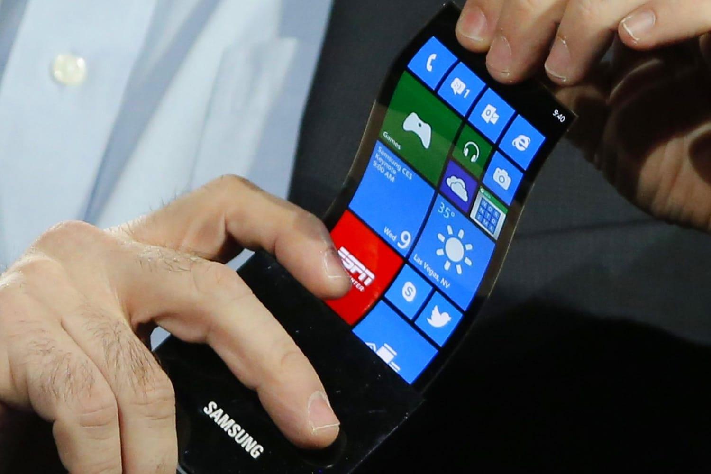 0 Samsung официально рассказала неприятную правду о складном смартфоне Galaxy X