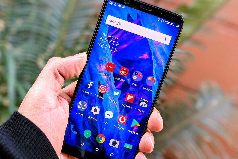 CES 2018: Vivo показали смартфон сподэкранным сканером отпечатков пальцев