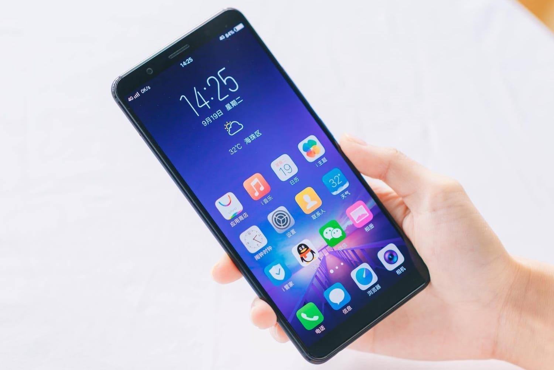 Vivo представит безрамочный смартфон сосканером отпечатка пальцев вдисплее